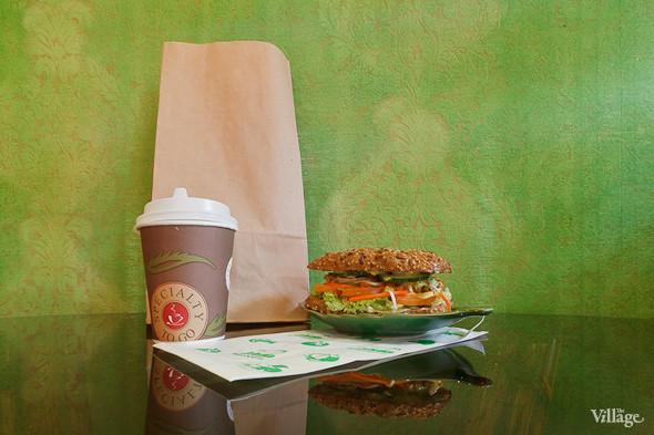Сэндвич с соевой котлеткой — 120 рублей. Изображение № 35.