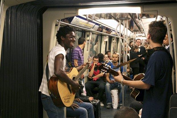 Какая музыка звучит  в метро Пекина, Нью-Йорка, Брюсселя. Изображение № 3.
