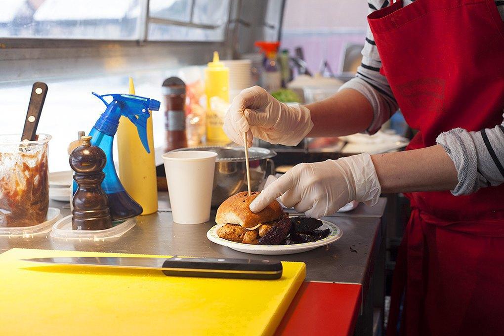На колёсах: Как устроен бизнес московских передвижных кафе. Изображение № 8.
