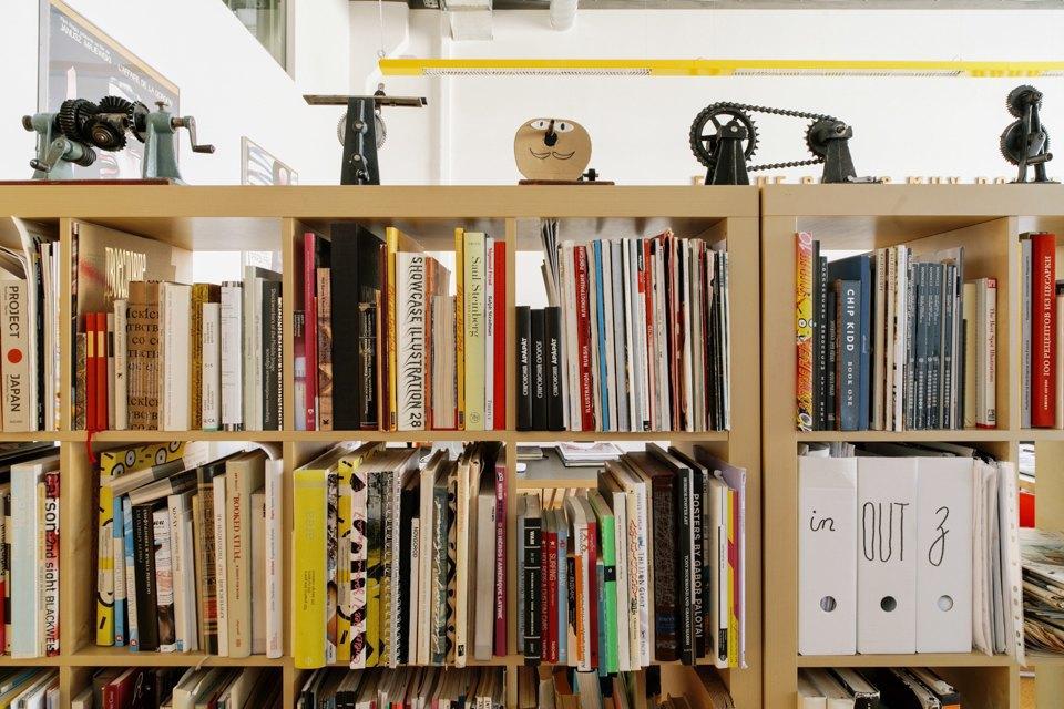 Офис дизайн-бюро «Щука» с усами на стенах. Изображение № 19.