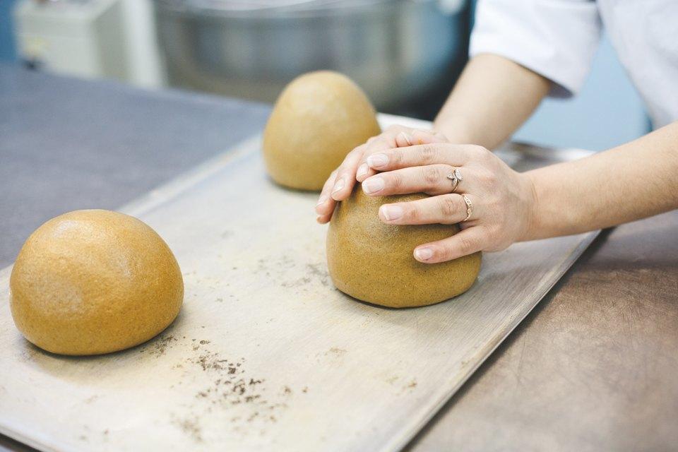 Производственный процесс: Как готовят кошерный хлеб. Изображение № 5.