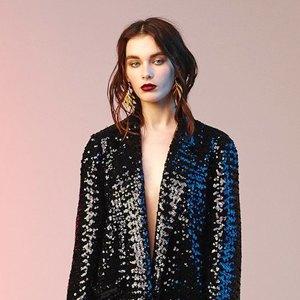 Что надеть: Платье Ready To Wear, кошелёк Comme Des Garçons, часы G-Shock. Изображение № 6.