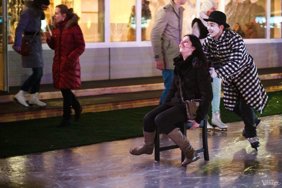 Люди в городе: Первые посетители катка в парке Горького. Изображение № 14.