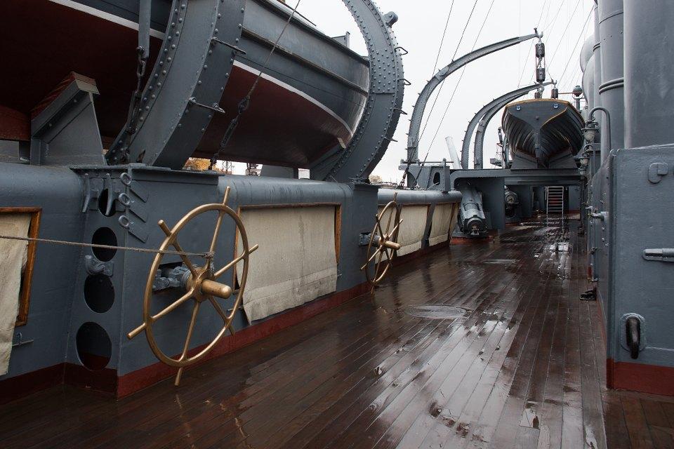 Как ремонтируют крейсер «Аврора». Изображение № 8.