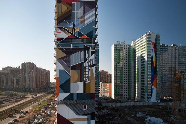 Художники расписали стену 24-этажного дома вПриморском районе. Изображение № 2.