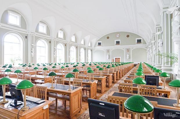 Читальный зал на площади Островского. Изображение № 1.