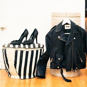 Что надеть: Свитшот Fuct, бельё Calvin Klein, рюкзак Sandqvist. Изображение № 10.