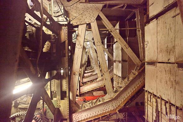 Фоторепортаж: Как разводят Дворцовый мост. Изображение № 20.