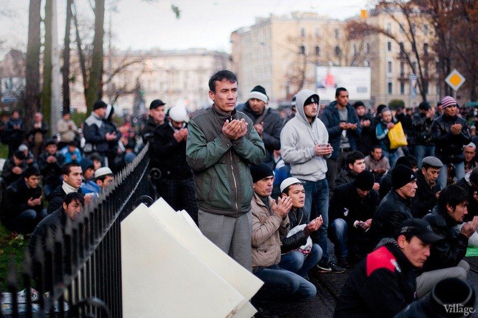 Люди в городе: Как отмечали Курбан-байрам в Москве и Петербурге. Изображение № 40.