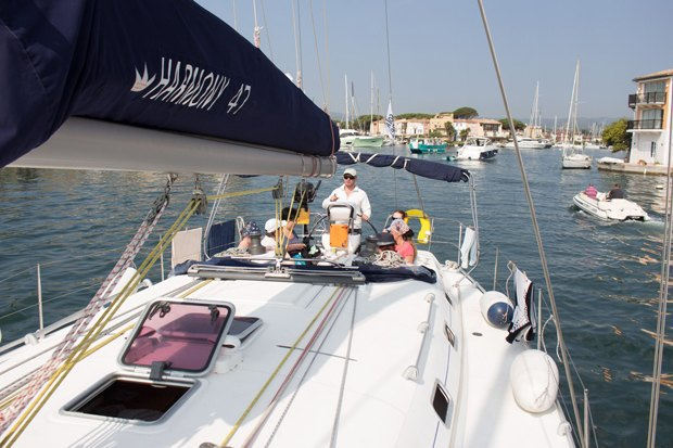 Как зарабатывать, путешествуя напарусной яхте. Изображение № 6.