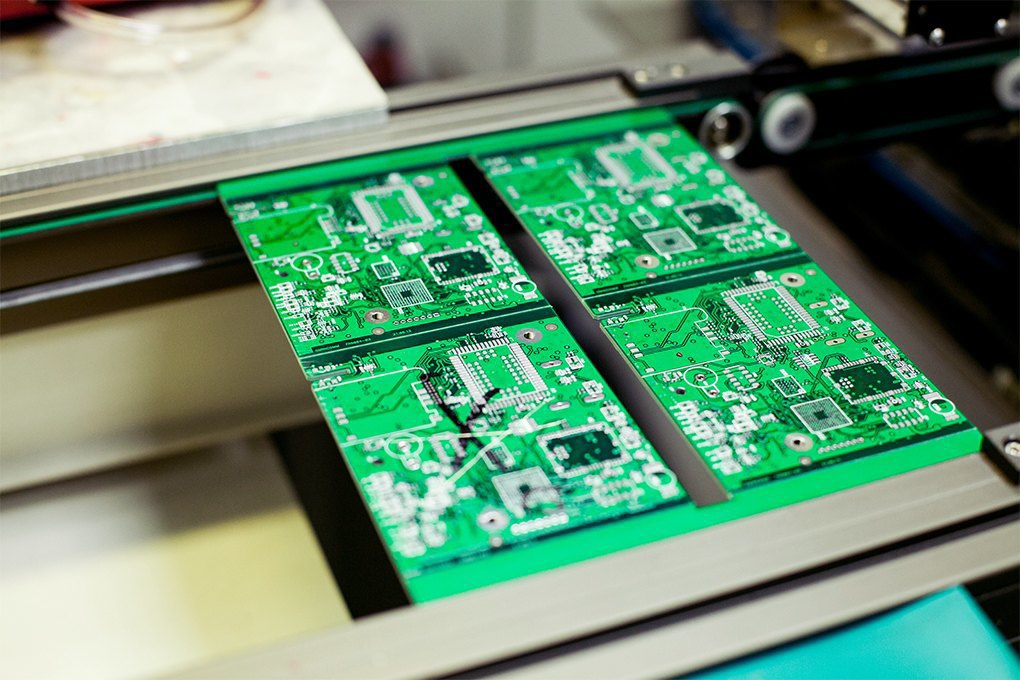 Производственный процесс: Как делают платы для электроники. Изображение № 10.