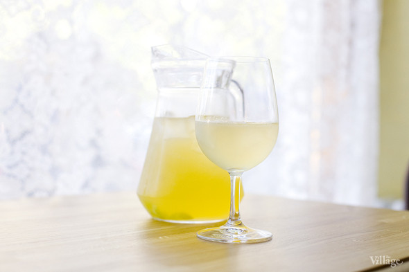 Яблочно-виноградный лимонад — 150 рублей за 300 мл и 400 рублей за литр. Изображение № 44.