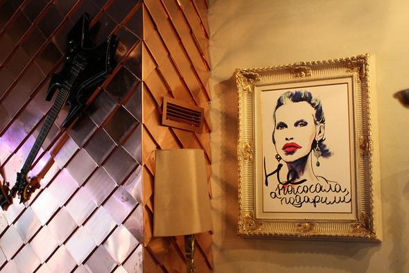 Изображение 3. На «Красном Октябре» открылся бар-ресторан Gipsy.. Изображение № 9.
