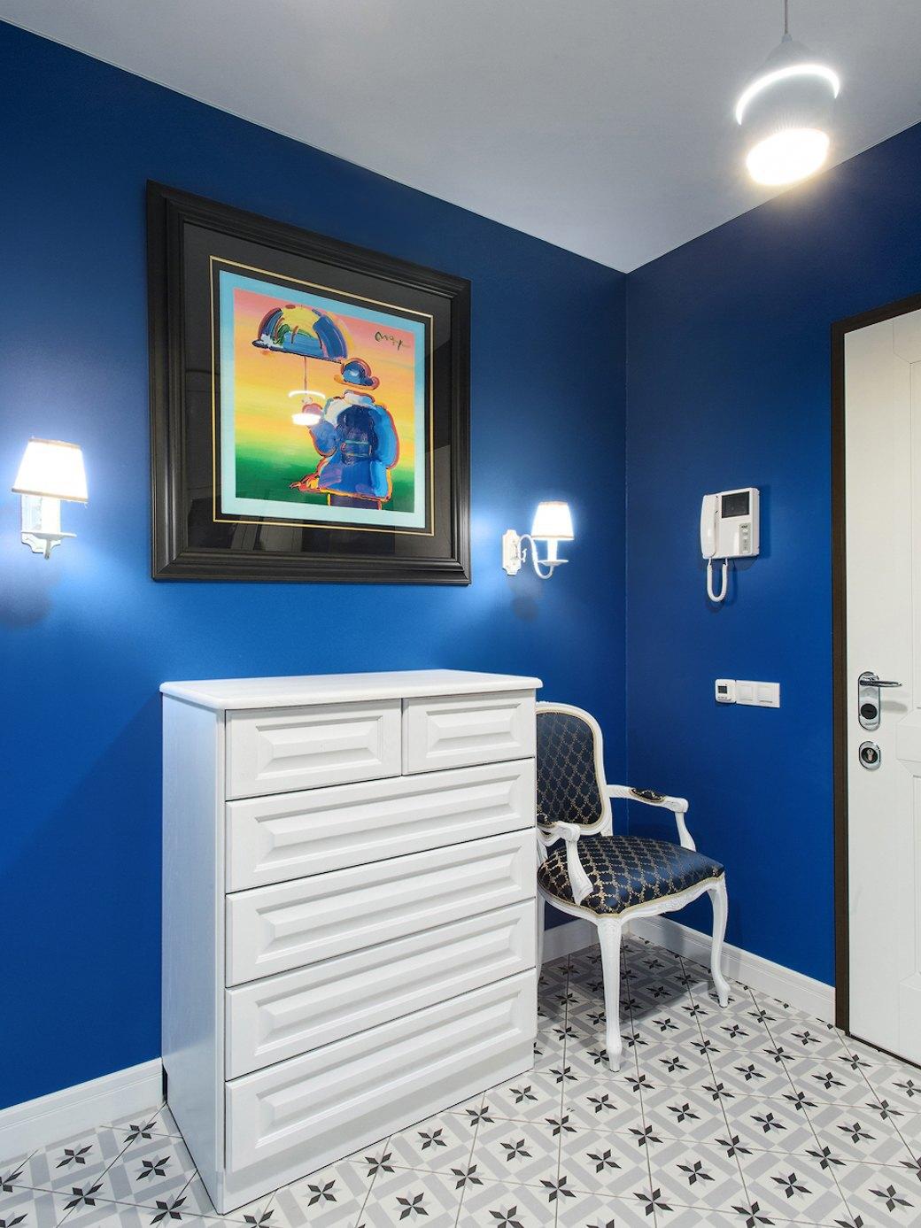 Квартира встаром доме склассической мебелью иплиткой азулежу (Петербург). Изображение № 5.