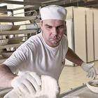 Фоторепортаж: Как делают йогурты на молочном заводе. Изображение № 36.