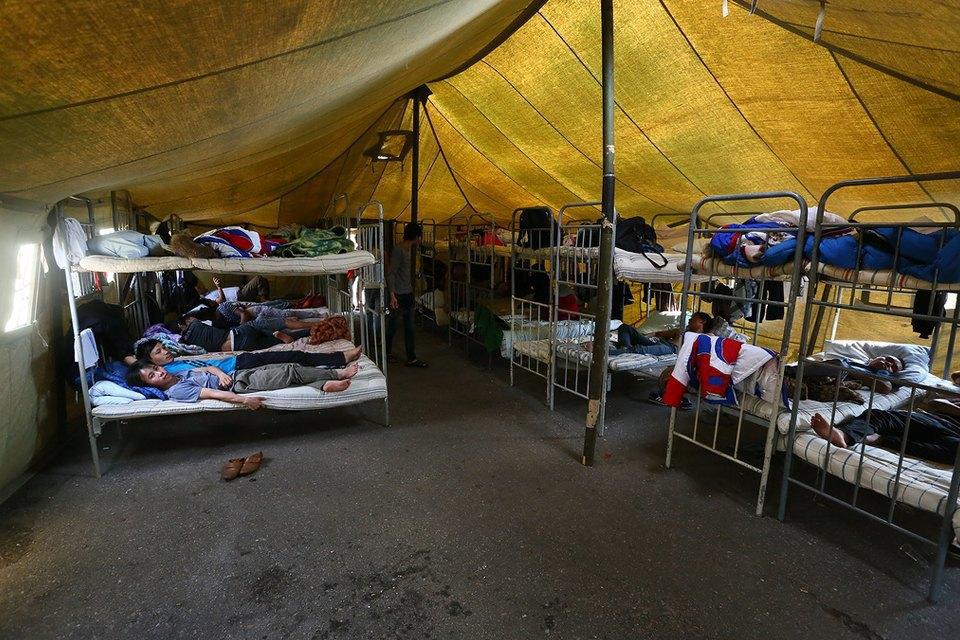 Фото дня: Палаточный лагерь для нелегальных мигрантов в Москве. Изображение № 5.