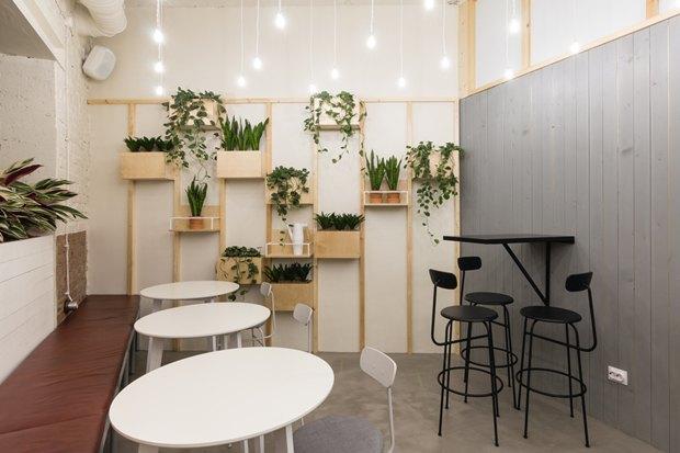 Нанабережной Макарова заработала кофейня «Радости». Изображение № 2.