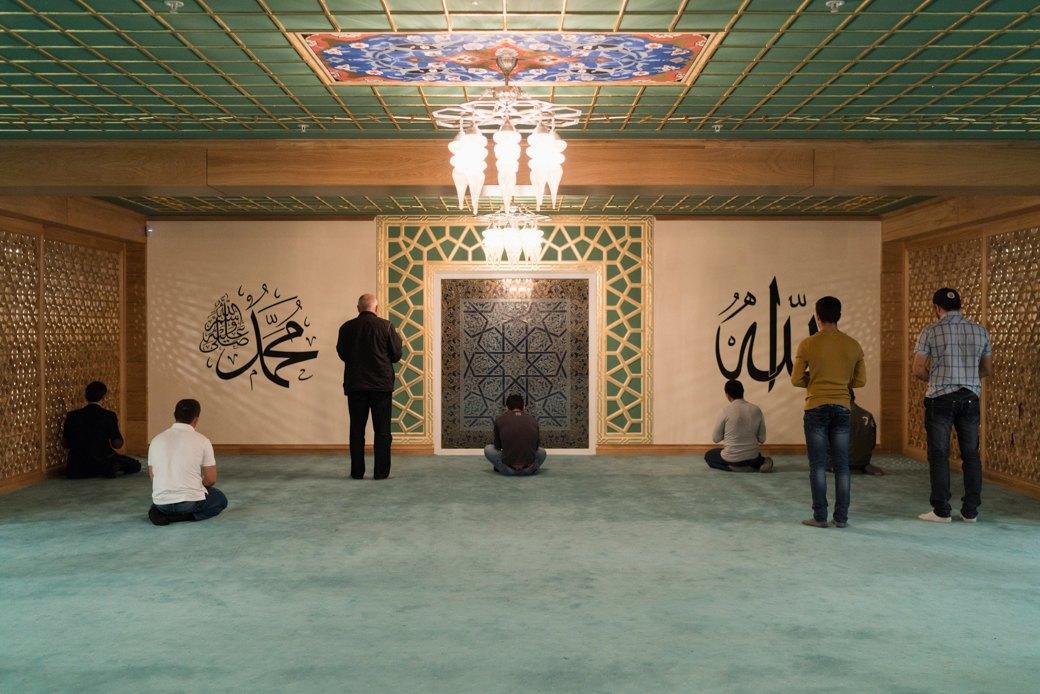 80-метровые минареты иместо для 10тысяч верующих — как выглядит Московская Соборная мечеть. Изображение № 5.
