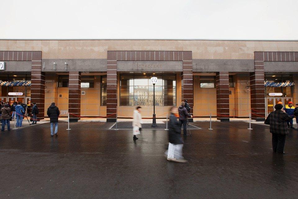 Фоторепортаж: Новый вестибюль «Спасской» изнутри. Изображение № 9.