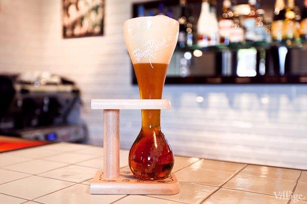 Пиво Kwak — 240 рублей за 300 мл. Изображение № 20.