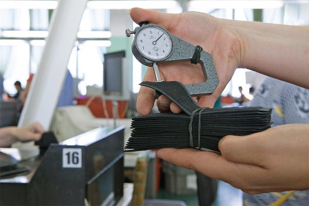 Производственный процесс: Как делают ботинки. Изображение № 9.