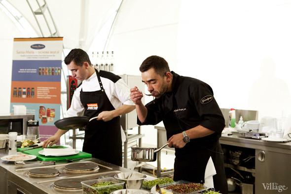 Omnivore Food Festival: Андрей Рывкин готовит карри из петуха на монастырском квасе. Изображение № 21.