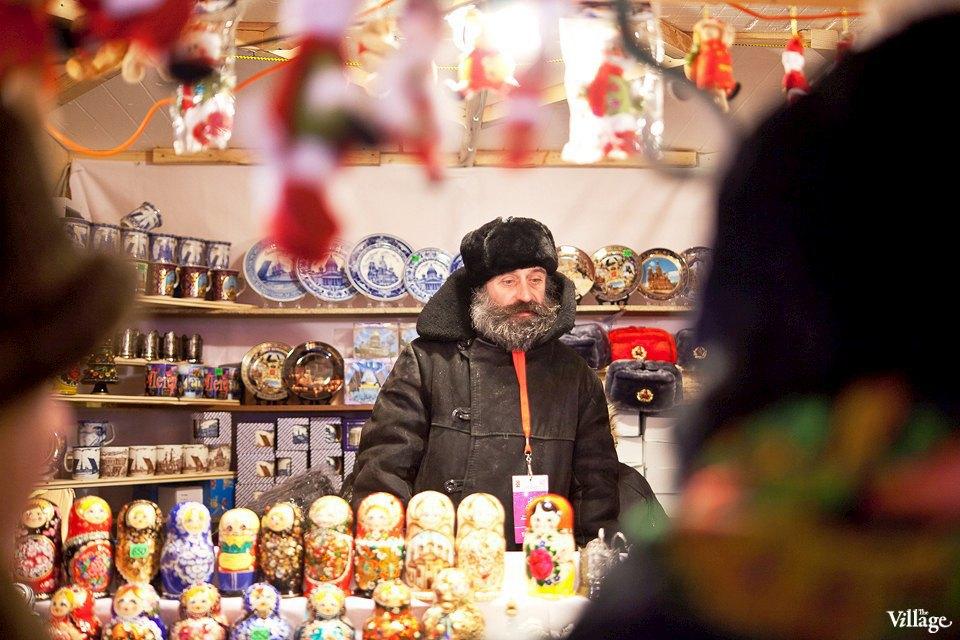 Люди в городе: Продавцы рождественской ярмарки на Островского. Изображение № 40.