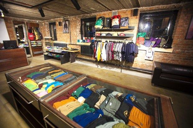 На Большой Конюшенной открылся московский магазин уличной одежды 21shop. Изображение № 2.
