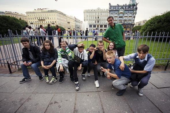 Купить алкоголь в районе Невского проспекта нельзя. Не продавать его выпускникам во время «Алых парусов» распорядились власти Центрального района.
