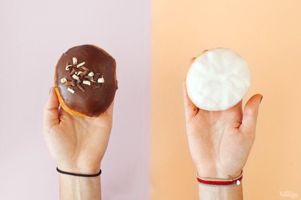 Пончики с шоколадной начинкой. Изображение № 2.