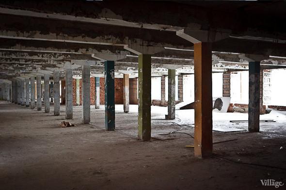 Бывший производственный цех, на территории которого разместятся арендаторы. Февраль 2011. Изображение № 10.