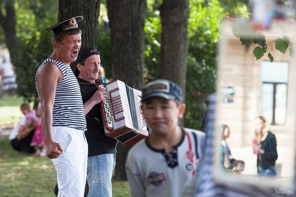 Фоторепортаж: День Военно-Морского флота вПетербурге. Изображение № 34.