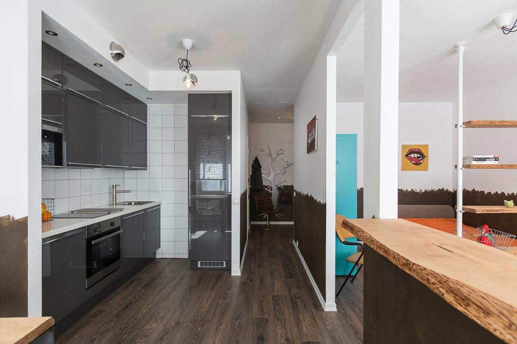 Компактная квартира вДевяткино сбарной стойкой ивинтажными элементами . Изображение № 3.