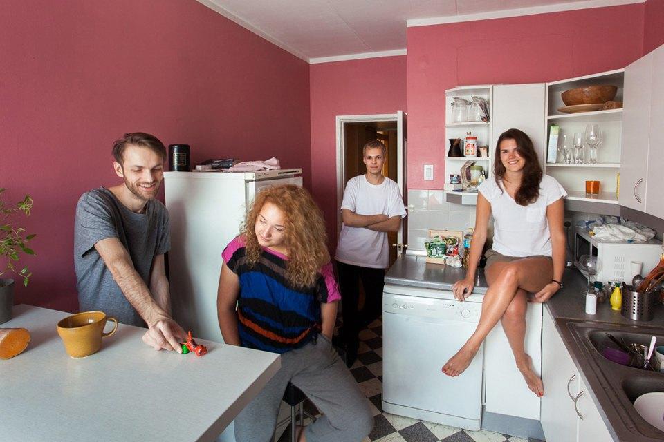 Новые коммуналки: Как незнакомые люди уживаются вместе. Изображение № 1.