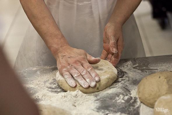 У каждого вида хлеба есть своя форма, но не все сорта делают вручную. Изображение № 19.