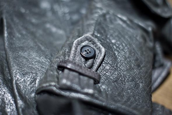 Анатомия куртки: Как сделана кожаная куртка AllSaints. Изображение № 17.