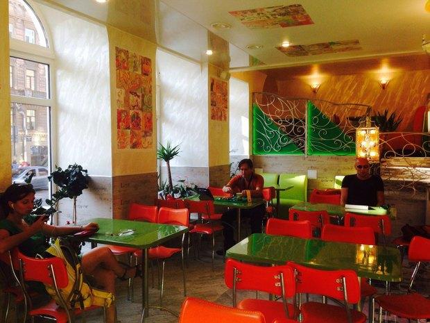 НаВладимирском проспекте открылось вегетарианское бистро LasVeggies . Изображение № 2.