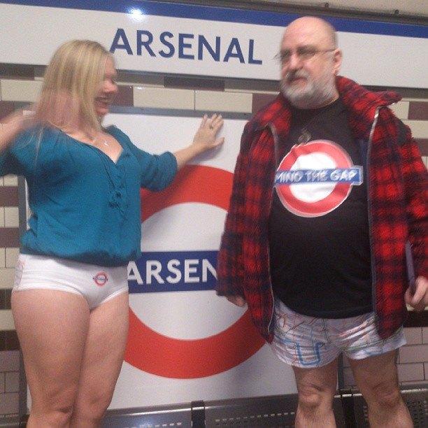 Флешмоб «В метро без штанов» в снимках Instagram. Изображение № 18.