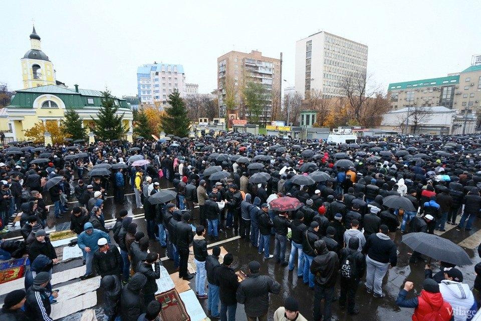 Люди в городе: Как отмечали Курбан-байрам в Москве и Петербурге. Изображение № 17.
