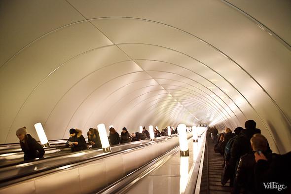 На новой станции метро «Адмиралтейская» уже произошло несколько аварийных остановок эскалатора. Изображение № 12.