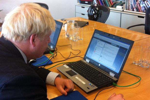 Мэр отвечает на вопросы читателей твитера, фото. Изображение № 23.