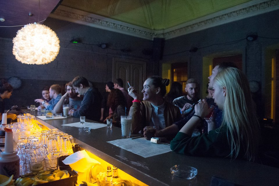 Последний день курения в клубах, ресторанах ибарах. Изображение № 18.