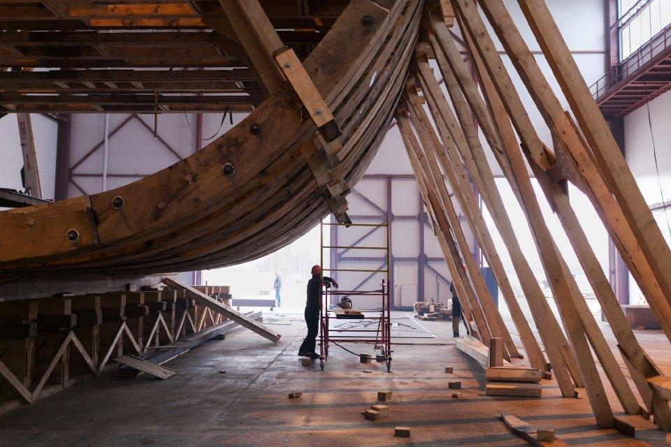 Как вПетербурге строят корабль петровского времени. Изображение № 5.