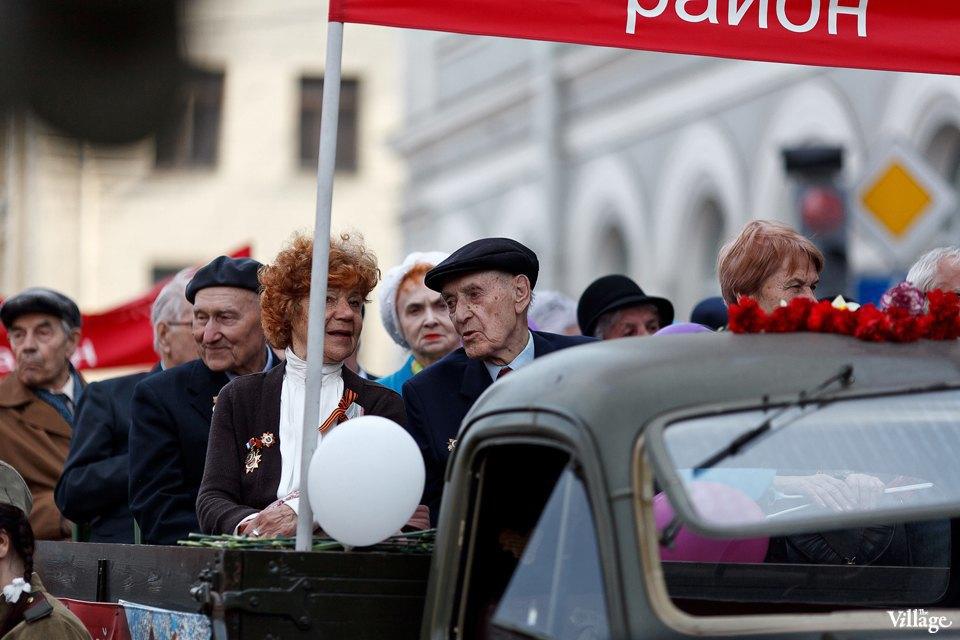 Фоторепортаж: День Победы в Петербурге. Изображение № 6.