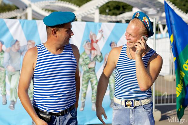 Люди в городе: Как отмечали День ВДВ в парке Горького. Изображение № 18.