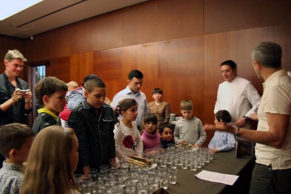 Мастер-класс по сенсорике для детей. Фотографии из личного архива Виктора Майклсона. Изображение № 23.