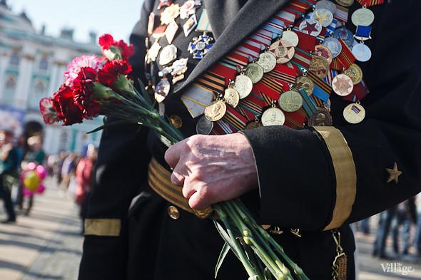 День Победы в Москве и Петербурге: Как гуляют и о чём вспоминают ветераны 9 Мая. Изображение № 61.
