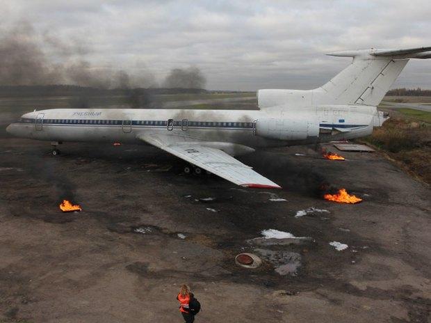 «Горящий» самолёт на учениях в аэропорту Пулково. Изображение № 1.