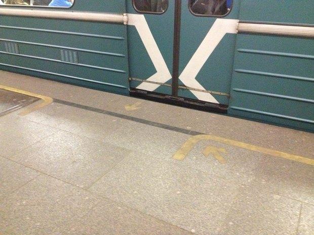 На «Тверской» появилась напольная навигация. Изображение № 1.