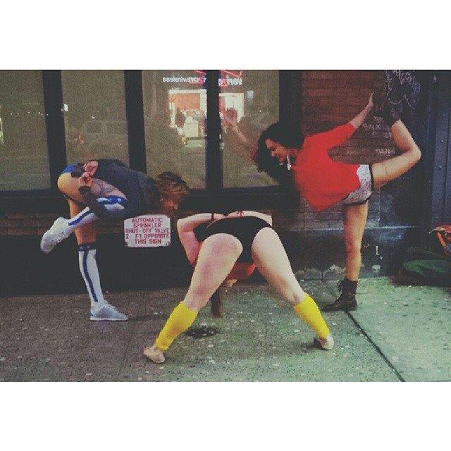 Флешмоб «В метро без штанов» в снимках Instagram. Изображение № 12.